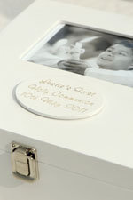 Engraved text on Holy Communion memory box